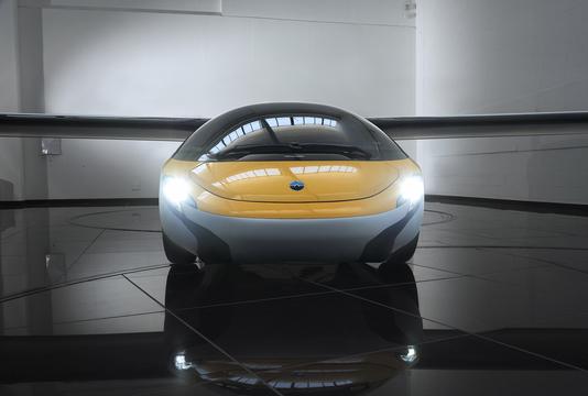 エアロモービルが「空飛ぶ車」の予約開始、納車は2020年