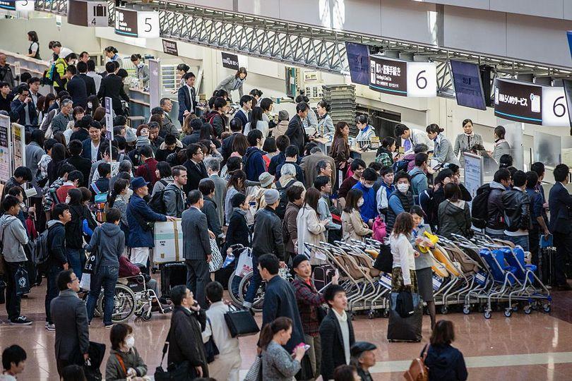 たくさんの人であふれる空港