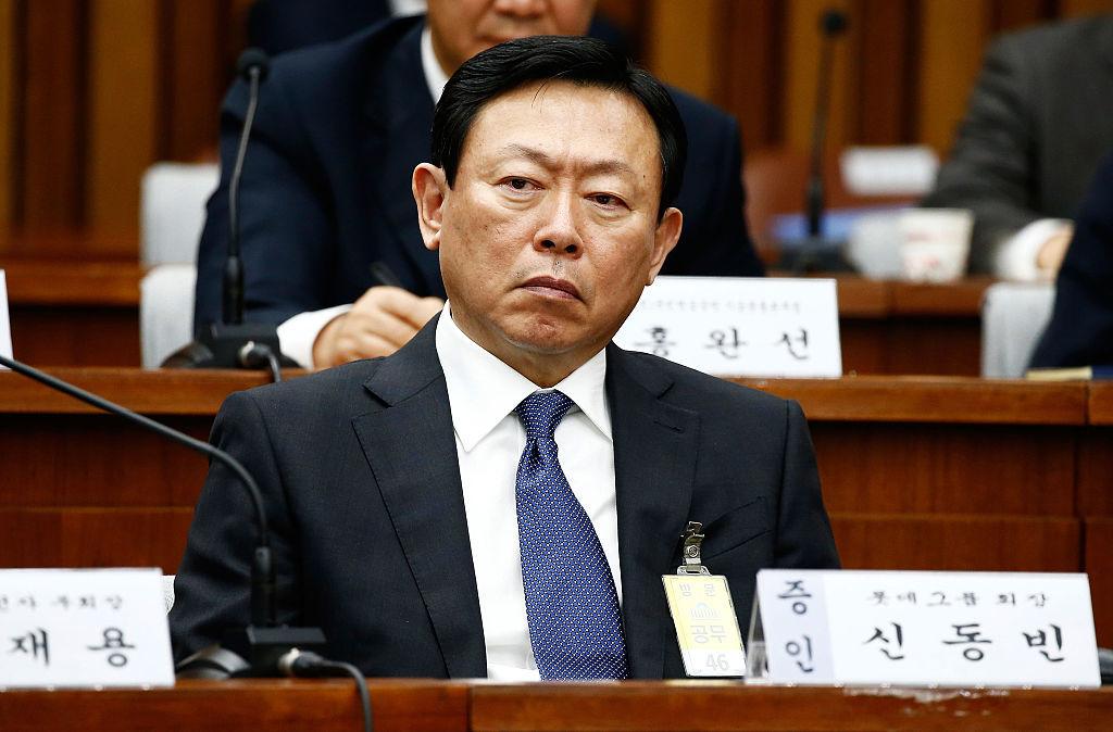 昨年12月に開かれた朴前大統領に関する公聴会に出席する重光昭夫氏