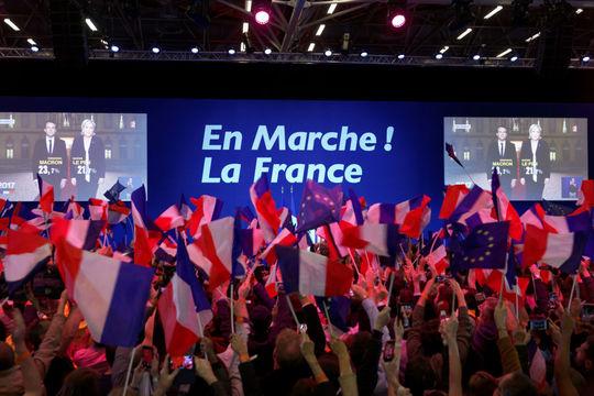 仏大統領選、マクロン氏優位で市場に安心感 —— 動き出す投資家
