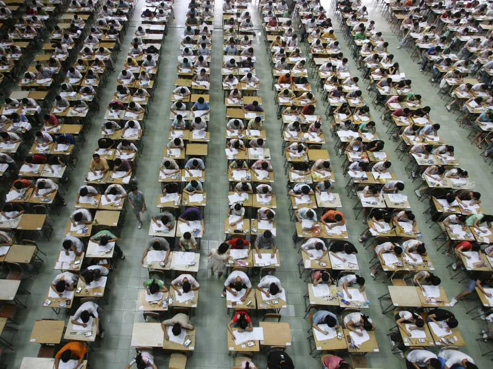入試中の受験生