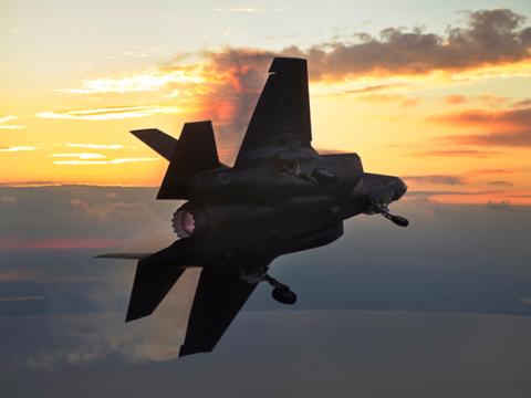 F-35のパイロットが語る「ステルス機の絶対的な心理的優位」