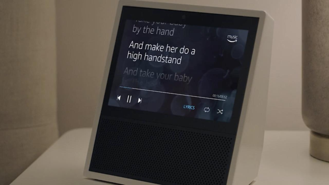 「Amazon Music」で音楽再生中に歌詞が表示される様子