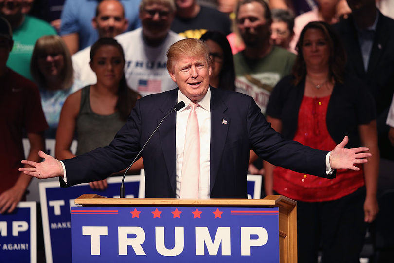 選挙キャンペーン中のトランプ大統領