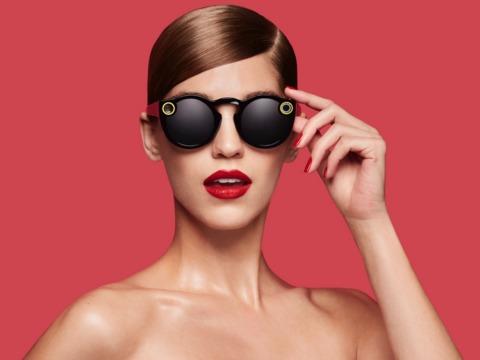 Snapchatのカメラ内蔵サングラスは6万個以上売れていた