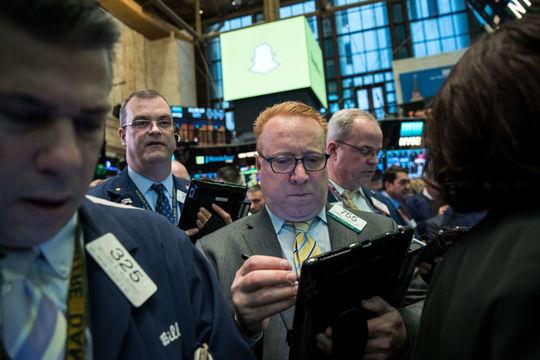 Snap上場後初の四半期決算は期待外れ。株価も下落 —— Facebookとの差が鮮明に