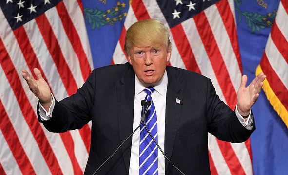 機密情報を書いた記者には罰則を —— トランプ大統領が前FBI長官に検討を指示か