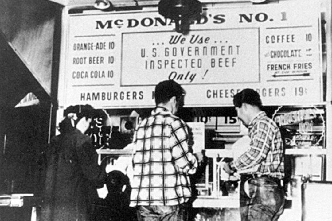 1948年のマクドナルドドライブイン