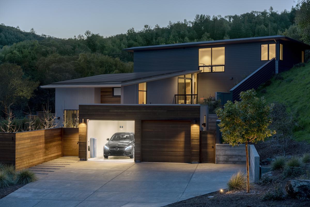 ソーラーシステムを導入した家のイメージ