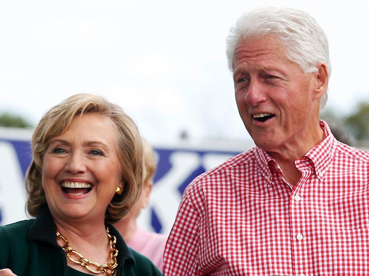 イェール大学卒業、ヒラリー・クリントン元大統領夫人とビル・クリントン元米大統領