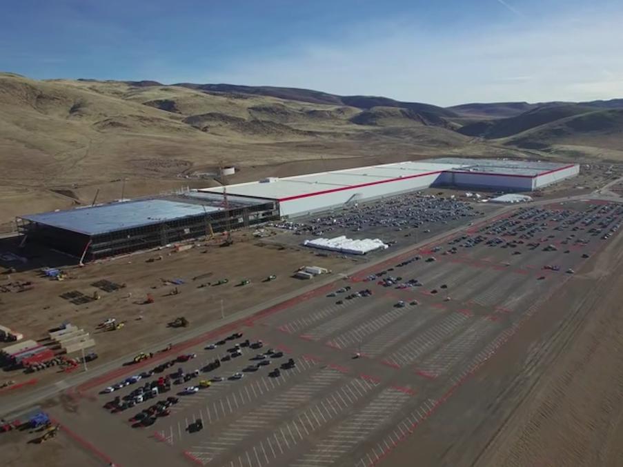 テスラの巨大バッテリー工場