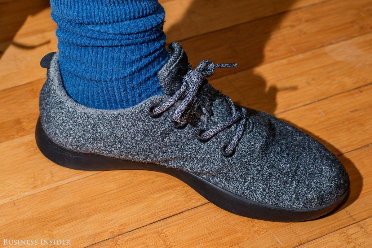 靴下を脱がずに先行モデル「Wool Runners」を履いた様子
