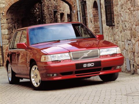 丈夫さと安全性が特長のボルボは、いかにして「高級車ブランド」となったか