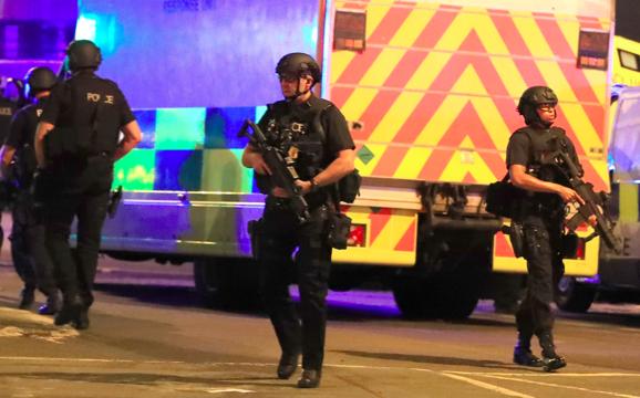 22人死亡イギリス コンサート会場 爆発テロ、SNSで動画広まる[続報 ...