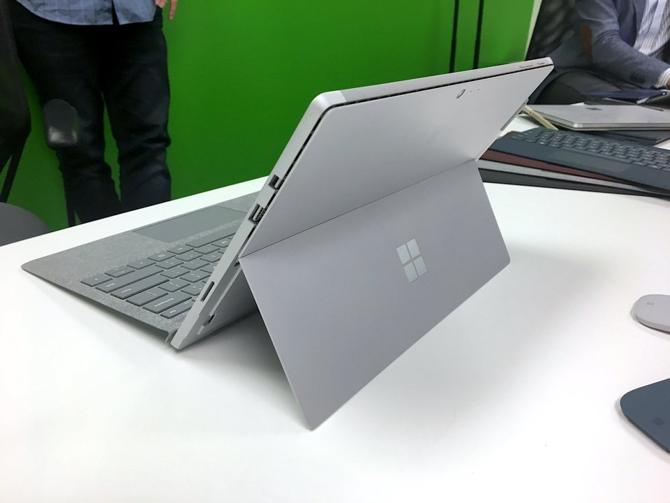 Surface Proの背面