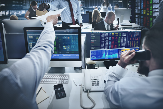 「スマートマネー」を追えば、株式投資で稼げるのか?