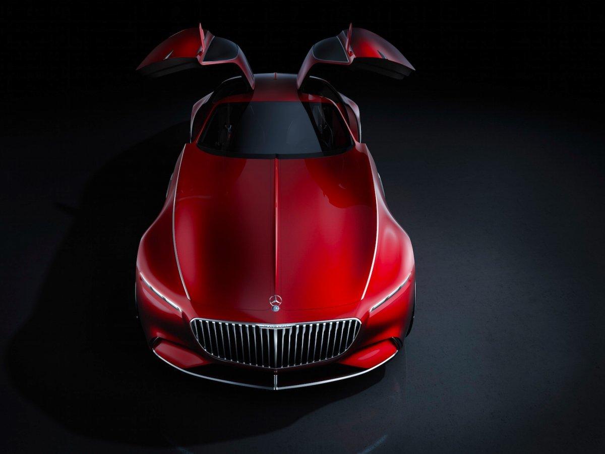 メルセデス・ベンツのコンセプトカー「Vision Mercedes-Maybach 6」の正面からのショット。同社のトレードマークとも言えるガルウィングドアが採用されている