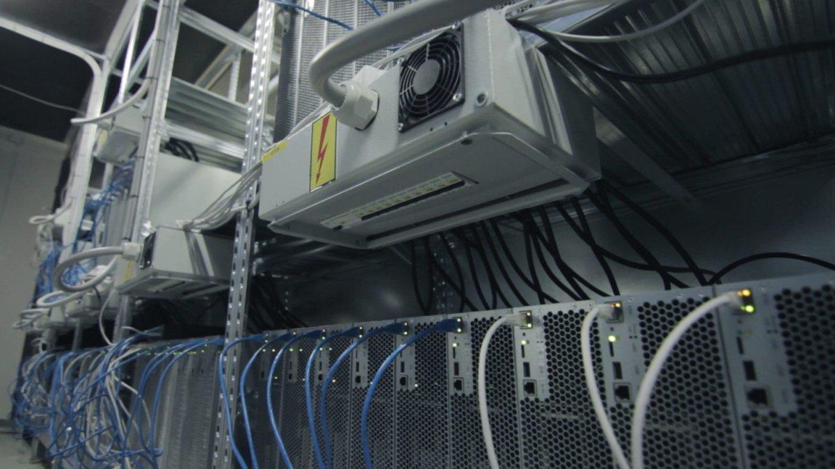 ビットコインマイニング設備の冷却ファン