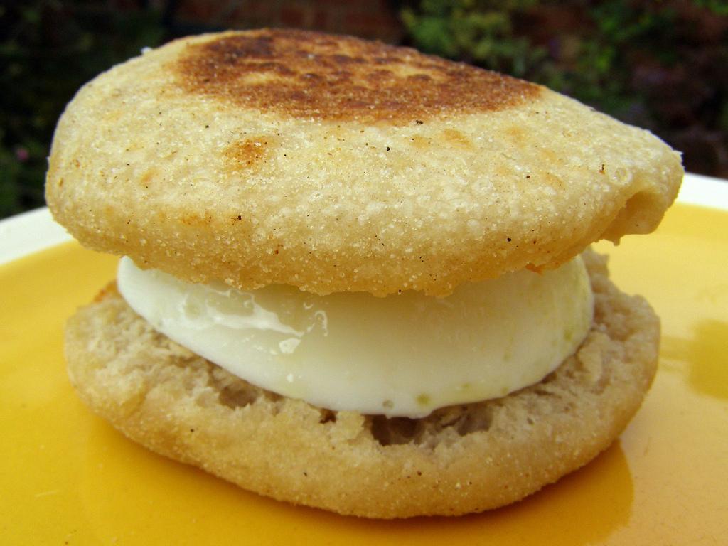 バーガーキング―卵とチーズのイングリッシュマフィン