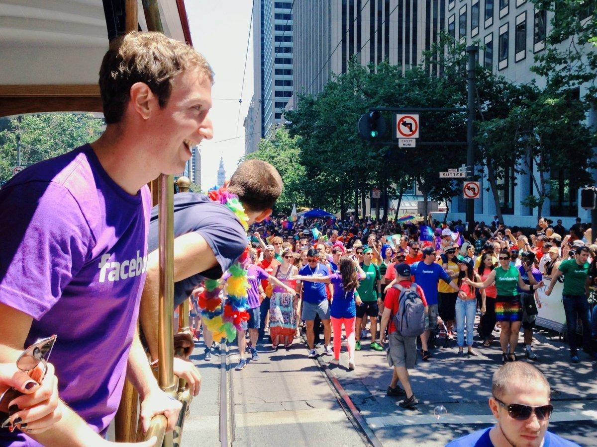 サンフランシスコのプライドパレードでのマーク・ザッカーバーグ氏