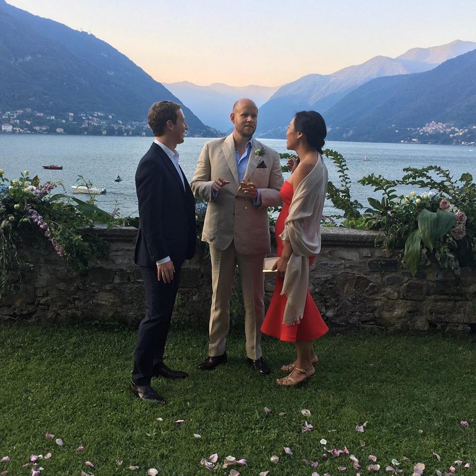 スポティファイ CEO、ダニエル・エク(Daniel Ek's )のイタリア コモ湖での結婚式に出席する、ザッカ―バーグ夫妻
