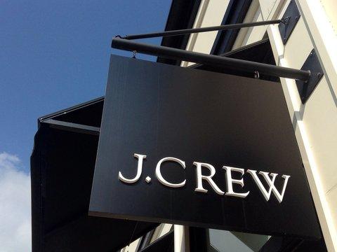 J.クルーCEOが退任 —— 不況期の高価格ライン展開を反省