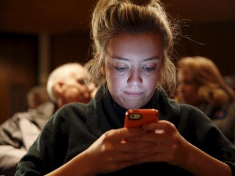 Facebook「テレビCMが始まると、視聴者はFacebookを見ずにはいられない」