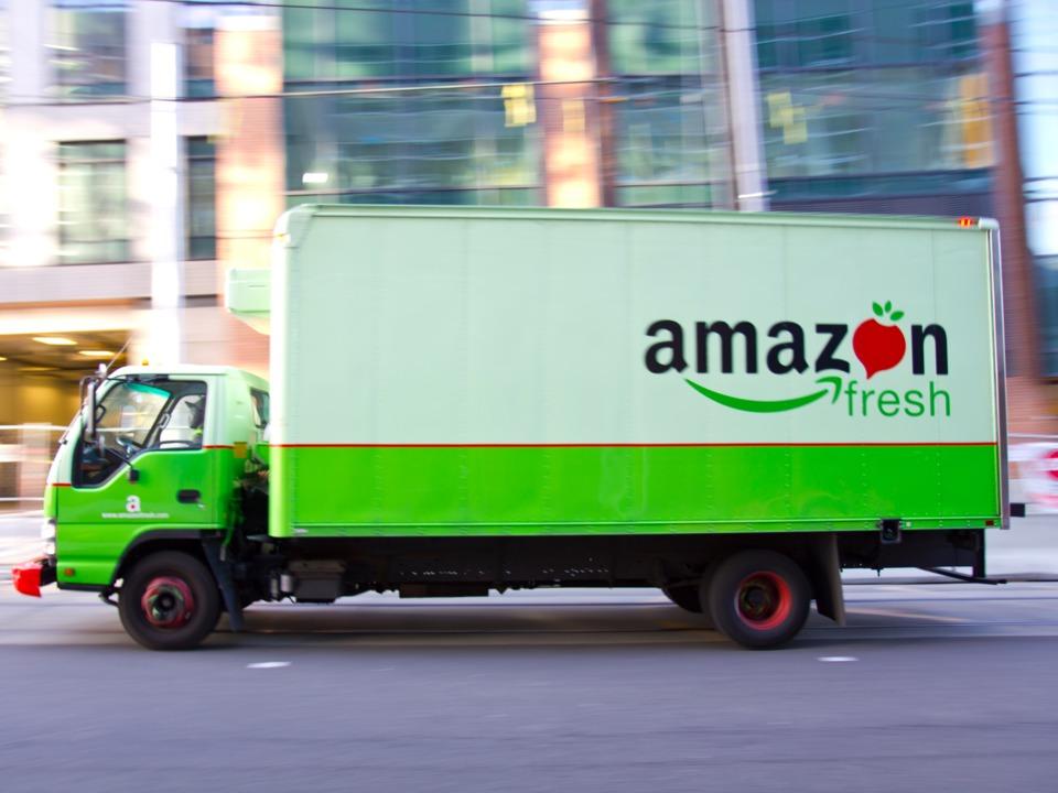 AmazonFreshの配達トラック