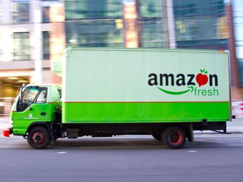 アマゾンの高級スーパー買収「手にする価値は440店舗だけではない」—— 金融アナリストら語る
