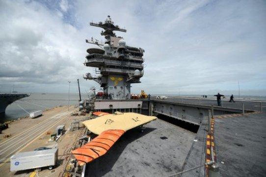 アメリカ海軍、空母に無人空中給油機を配備へ —— 中国「空母キラー」ミサイルに対応