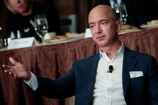 アマゾン、ホールフーズ買収に伴い人員削減を計画か