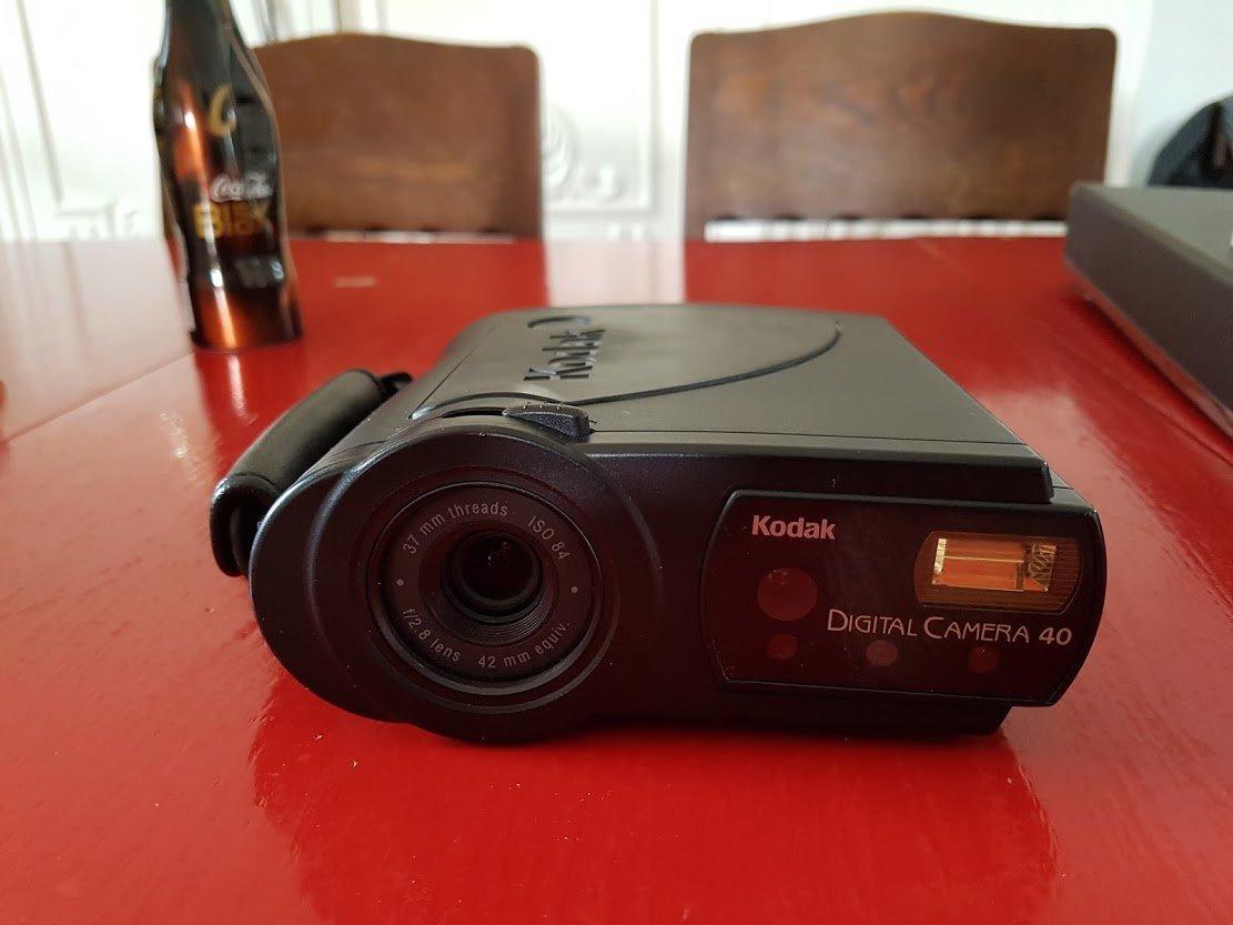 デジタルカメラ「Kodak DC40」