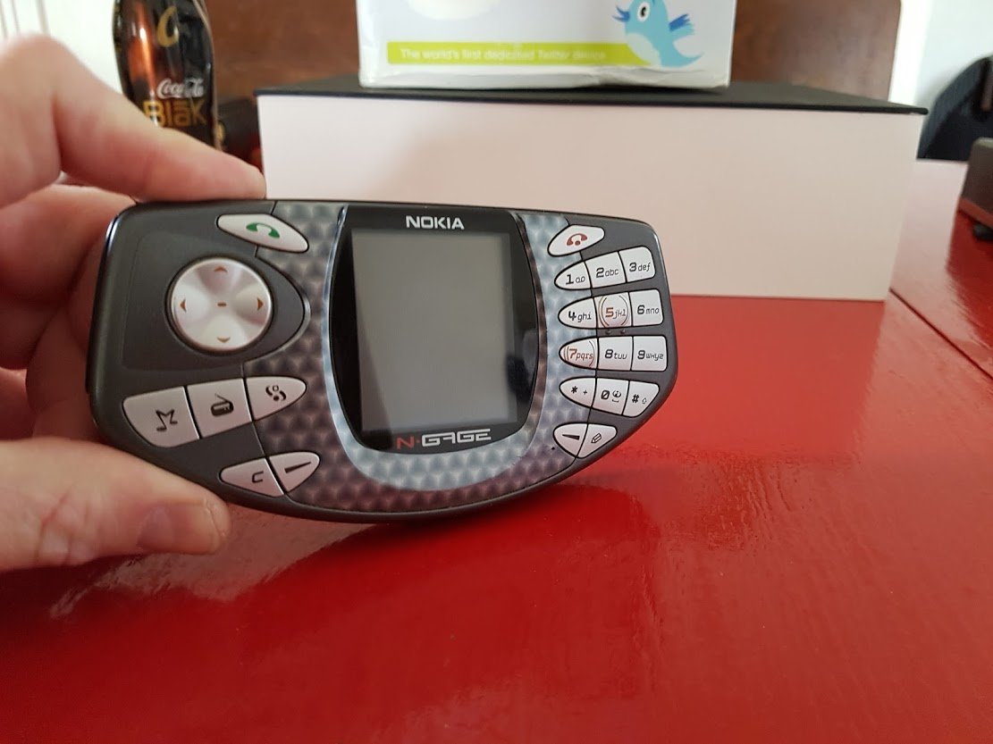 ノキアのスマートフォン兼ゲーム機「N-Gage」