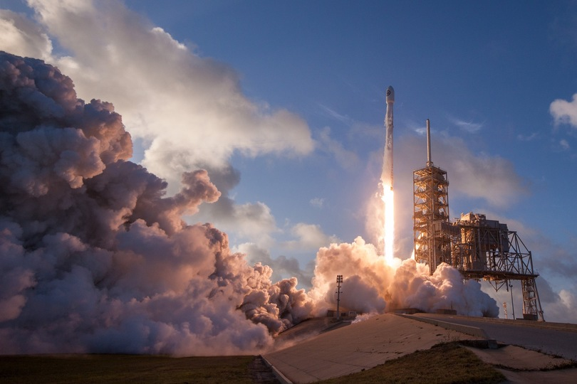 Falcon 9ロケット打ち上げの様子