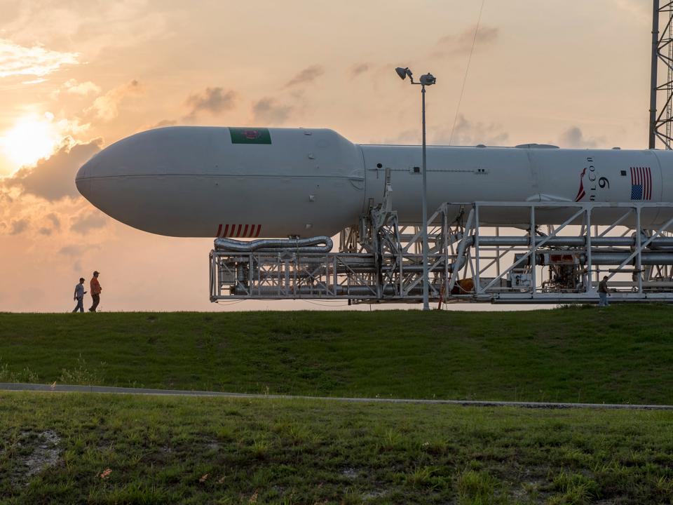 Falcon 9ロケット先頭