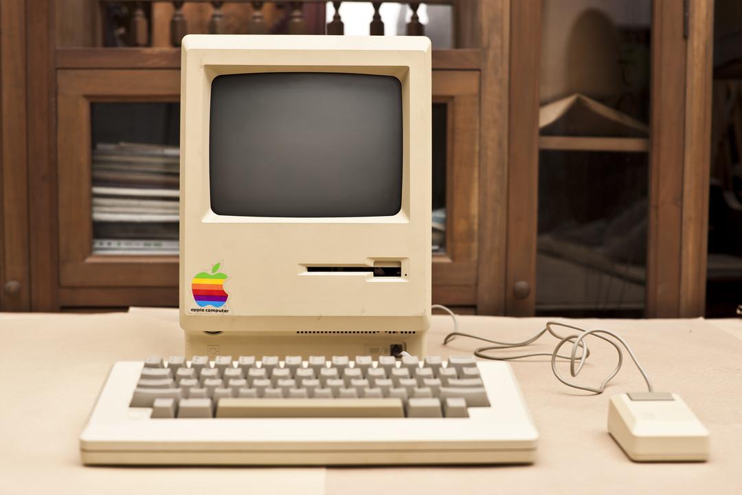 1984年、Apple Computers Inc.によってリリースされた最初のMac