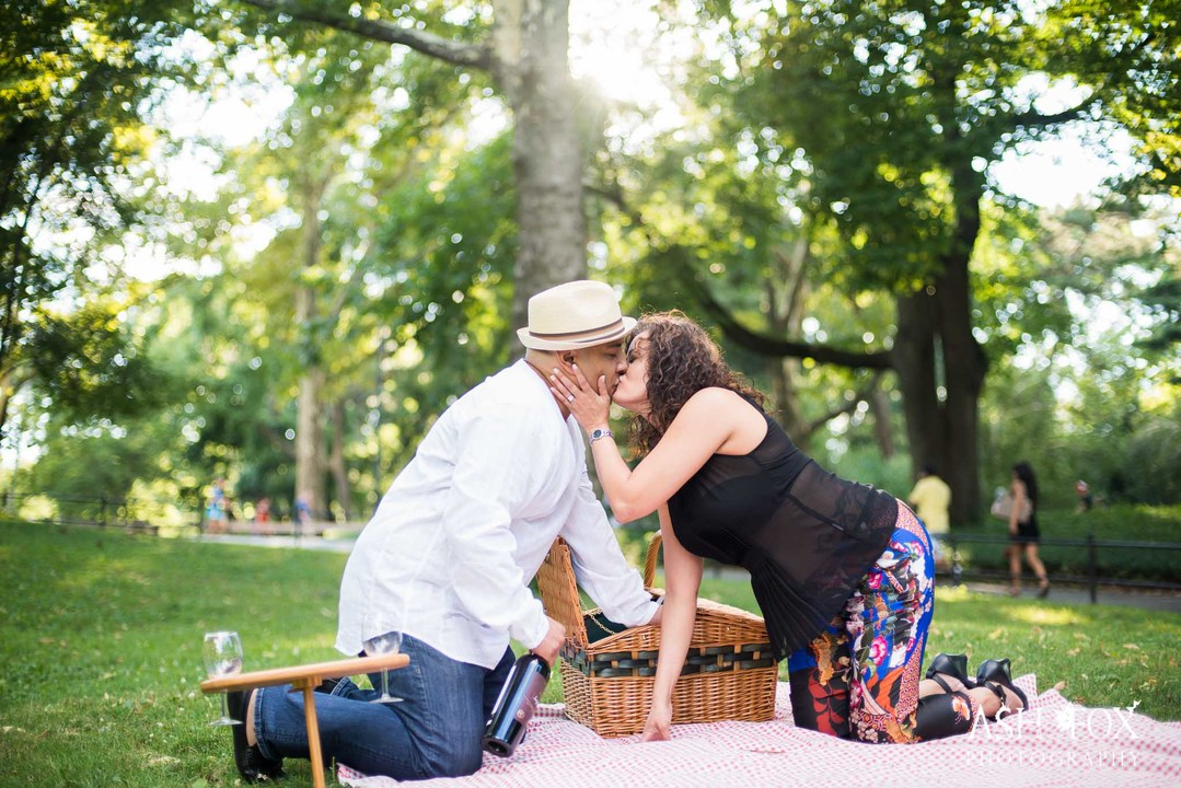 ピクニックでのプロポーズ