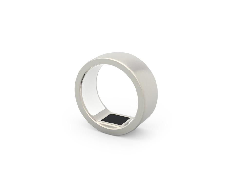 つや消しステンレス加工の指輪の写真