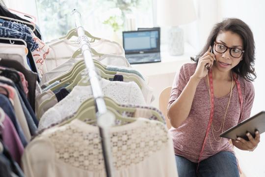 ファッション弱者にやさしい定額レンタルやオンライン試着——アマゾンは全てを支配しない