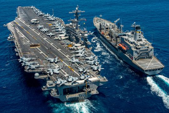 アメリカ海軍、イギリス海軍から最新鋭空母が登場 —— 他国を圧倒するパワーとは