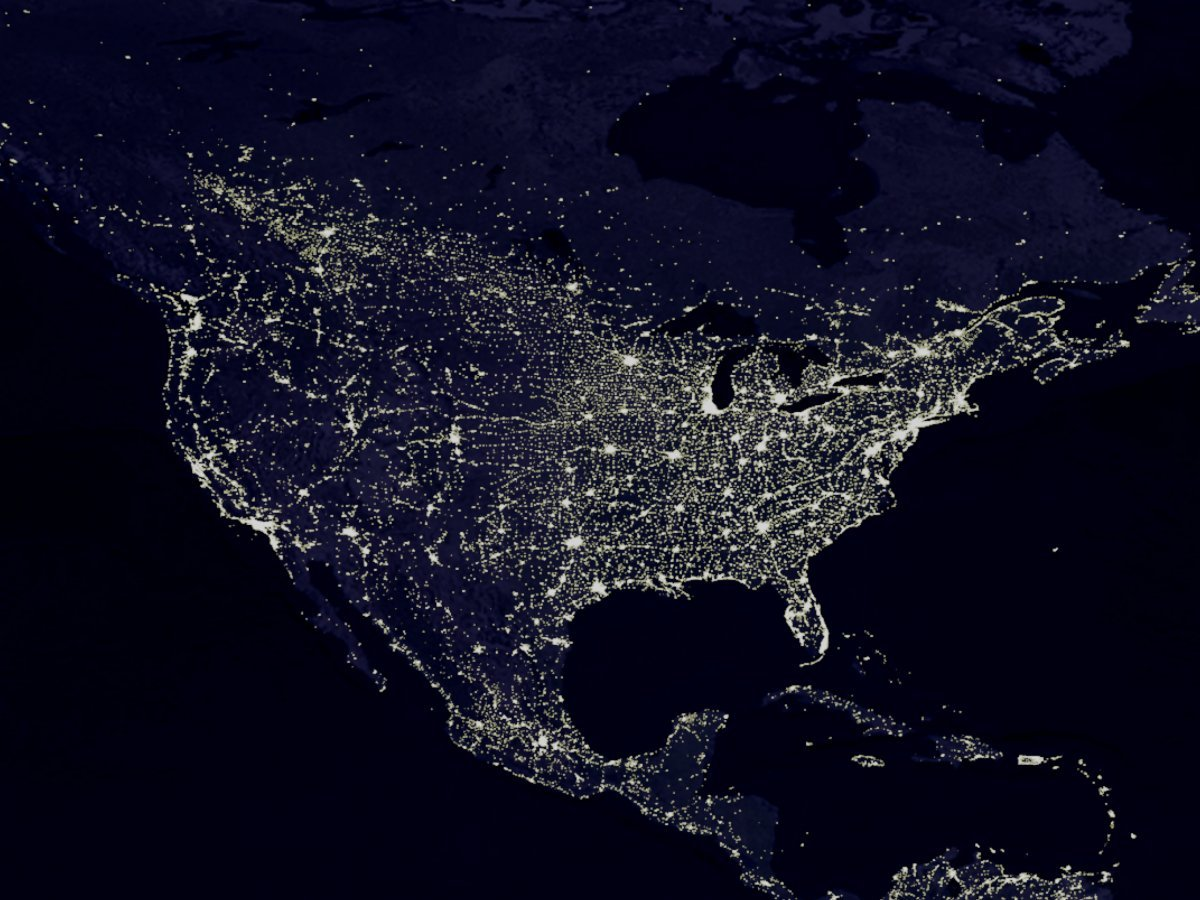 上空から見た夜のアメリカ