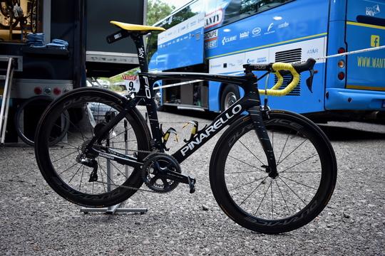 ゴール間近! ツール・ド・フランス、ステージチャンピオンの自転車に超接近