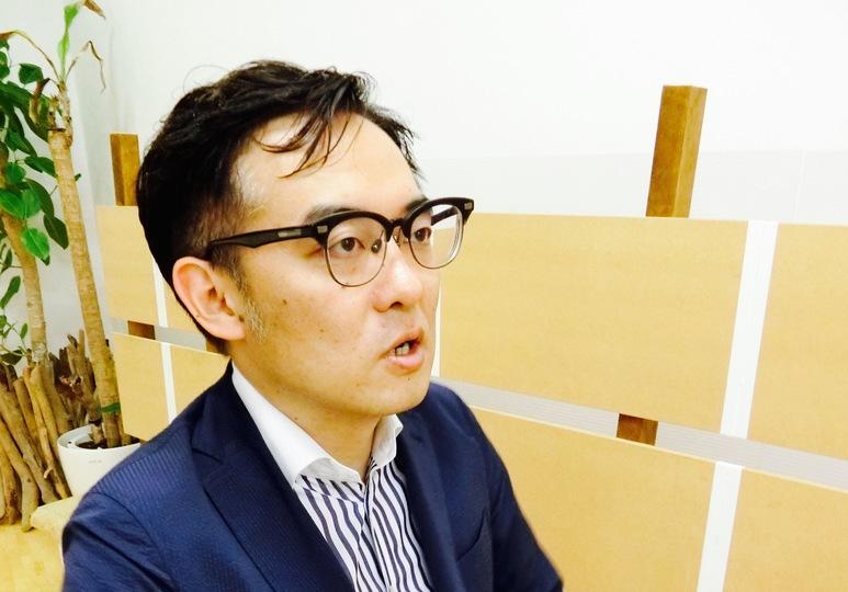 インタビューに答える産後業医の大室正志氏