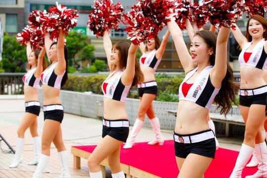 Bリーグ発足で日本でも華開くチアリーダー。彼女たちはダンスで何を届けるのか