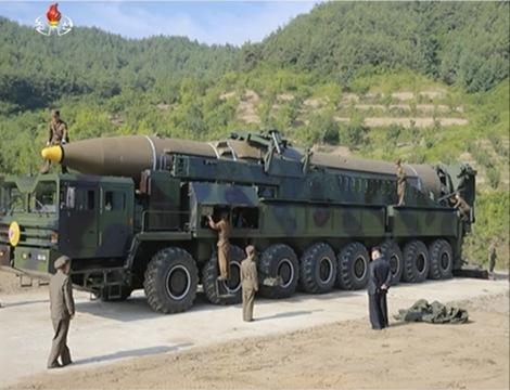 北朝鮮のICBM発射実験の映像から、さらなる脅威が明らかに