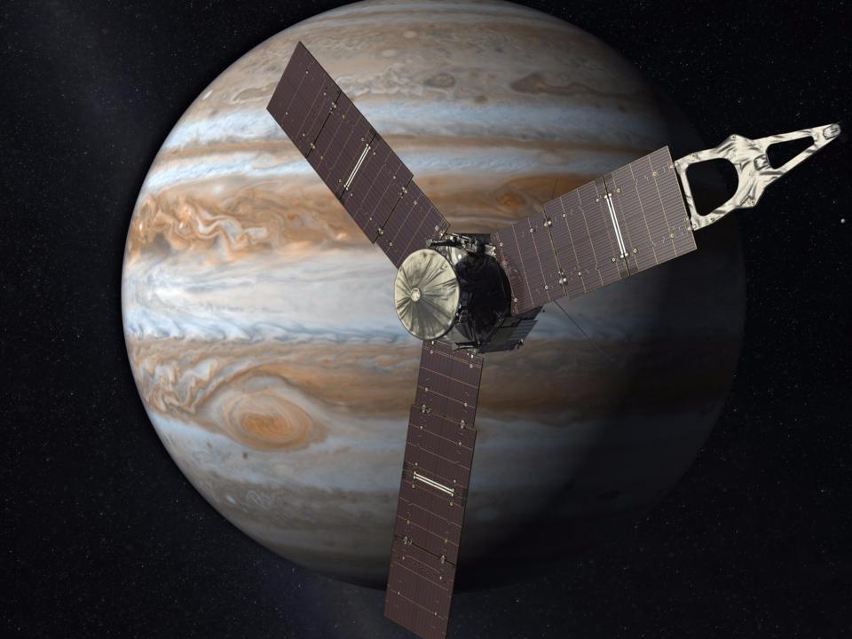 木星上空を飛行するジュノー