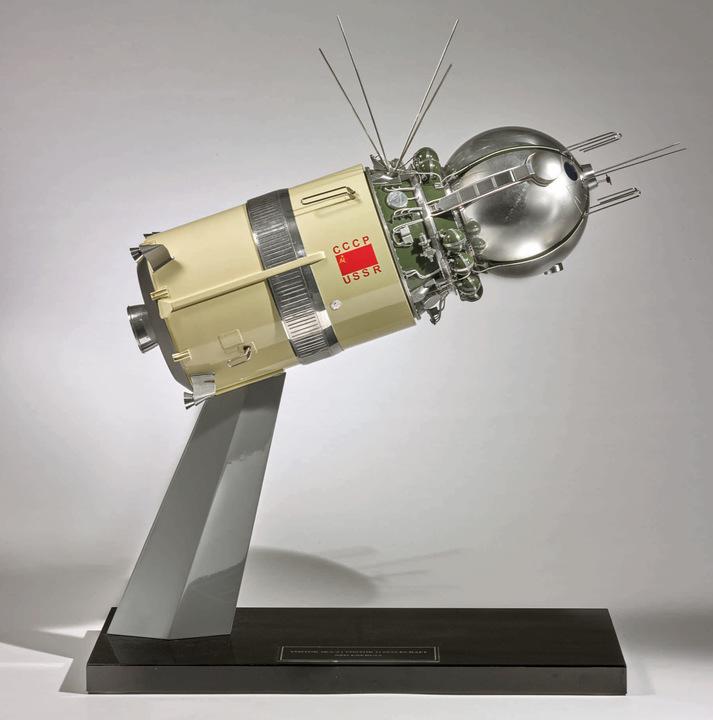 宇宙船ボストーク1号模型