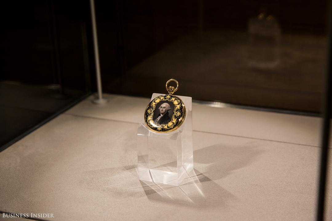 ジョージ・ワシントンの肖像が描かれた懐中時計