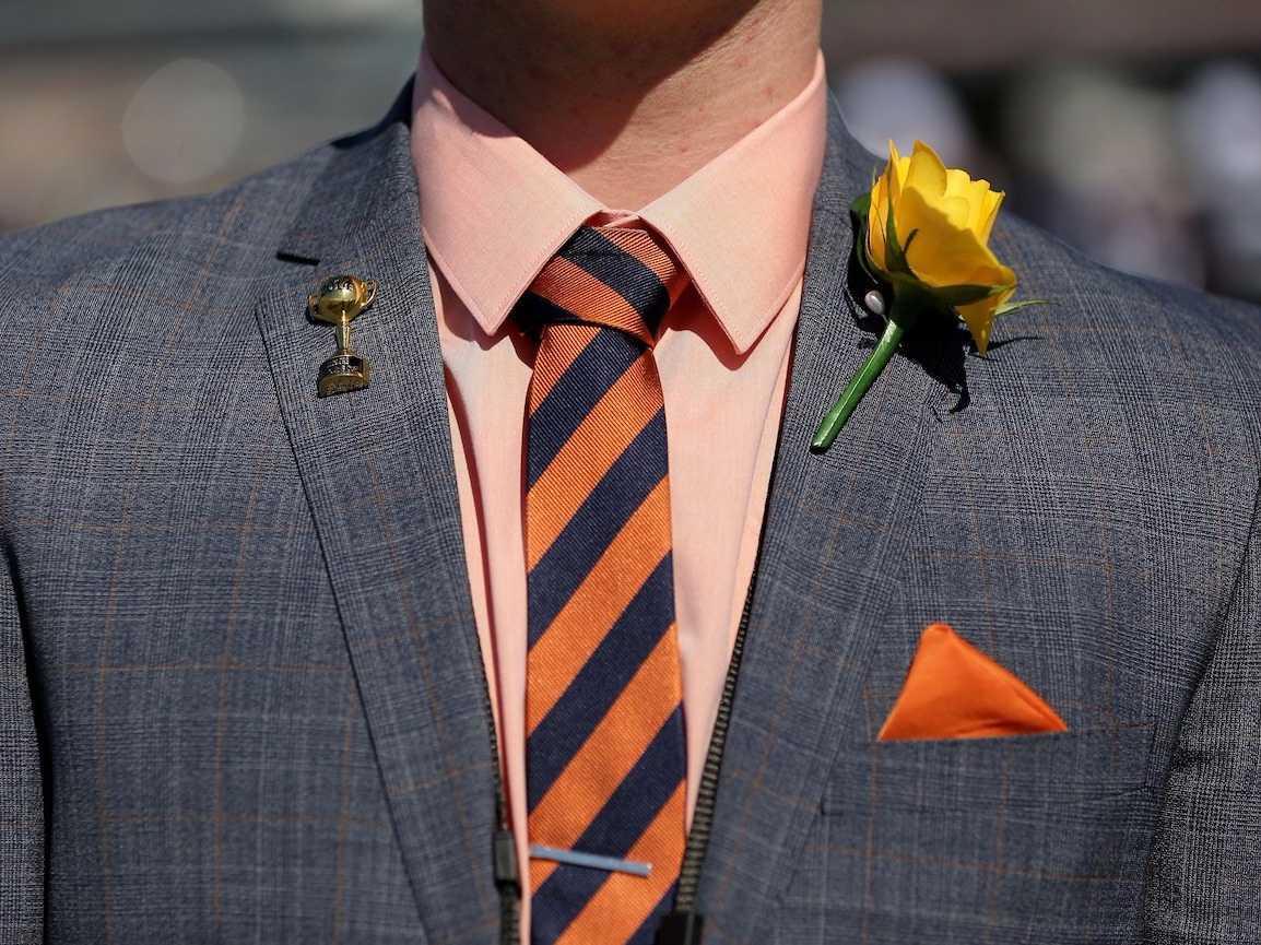 麻や綿のスーツ