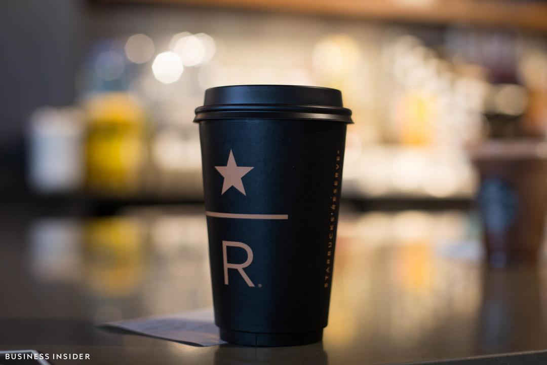 スターバックス リザーブのコーヒーカップ